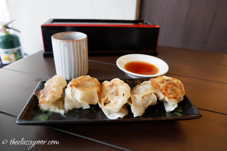 All hail to this steamed gyoza (Php 180).